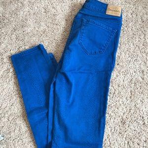 AEROPOSTALE Snake Print Skinny Jeans